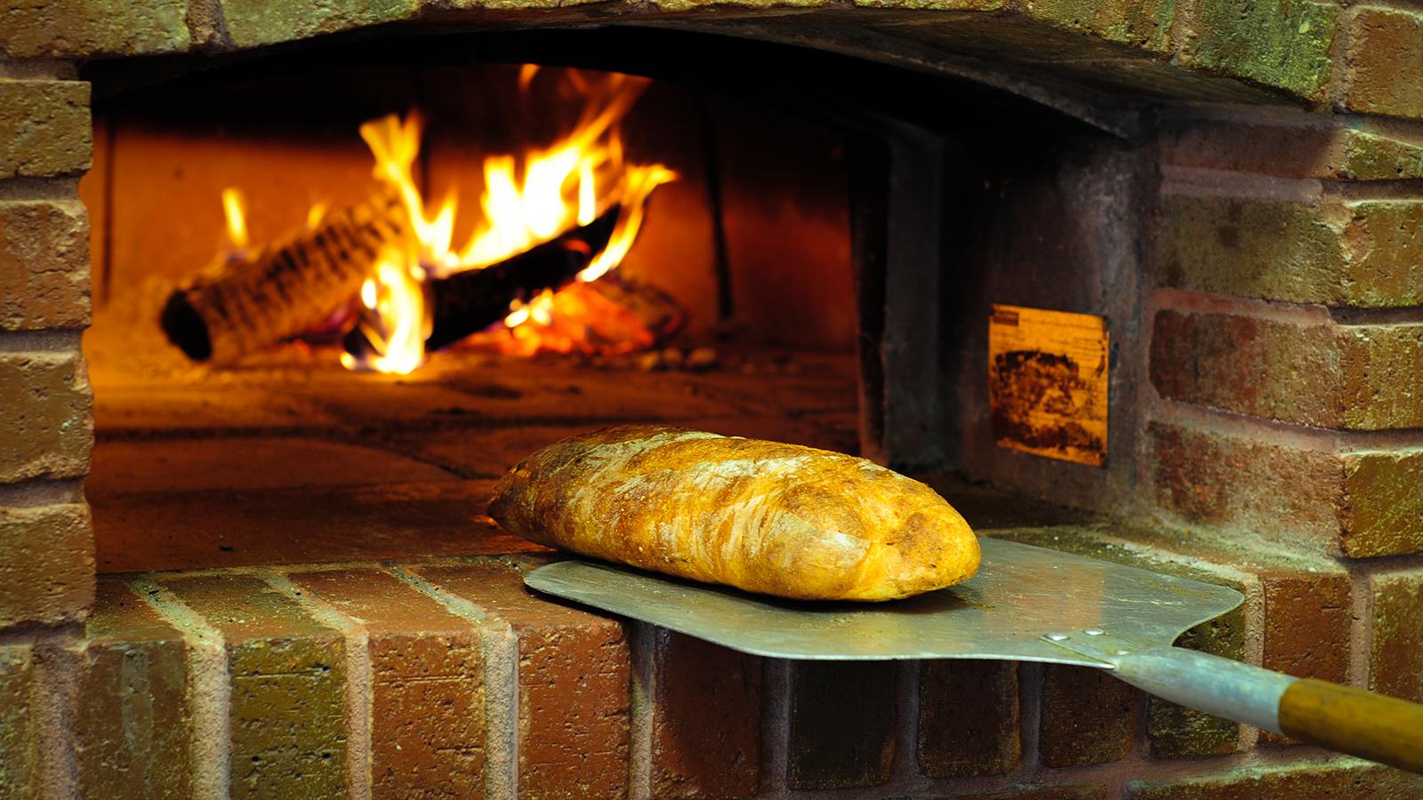 Mulino Italian Kitchen and Bar - Italian Restaurant in Raleigh - Fresh baked bread