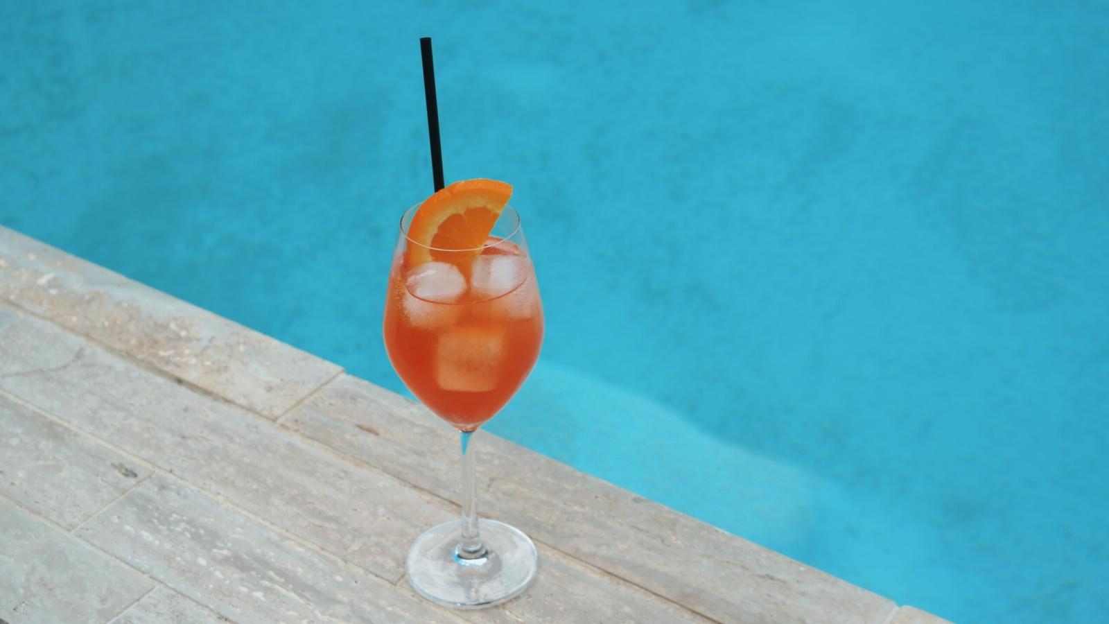 Mulino Italian Kitchen and Bar Fall 2020 Cocktails Mulino Spritz